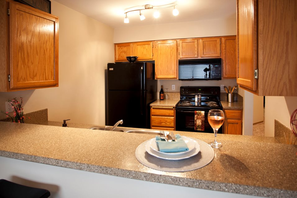 Spokane, WA Ashton Apartments fitness kitchen